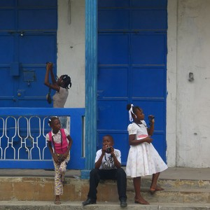 Laura, Stephanie, Emerson and Cristania photograph in Jacmel.